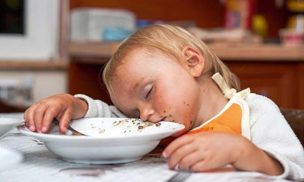 Pranzo Per Bambini 18 Mesi : Quali sono i cibi che aiutano i bambini a dormire meglio? ecco i