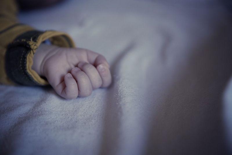 baby-monitor-kid-dark